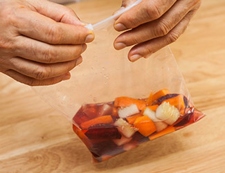 Marinating vegetables